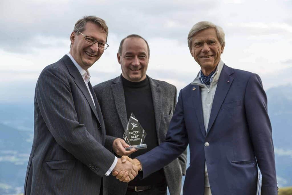 GenSoup-Geschäftsführer Nikolaus Futter und Michael Eisenriegler mit Hermann Hauser (v.l.n.r.)